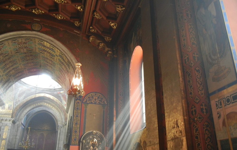 Armenian cathedral - Photo 4